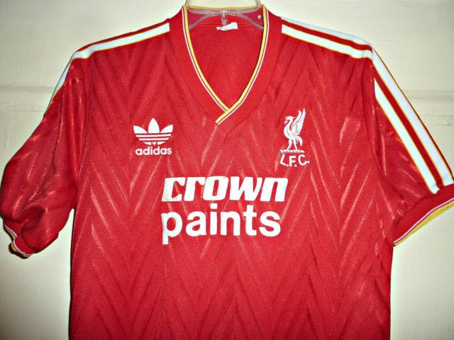 the best attitude 39157 99636 The History Liverpool FC Kits 1985 - 1986