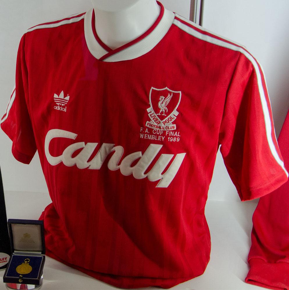 pretty nice fc1df df622 Liverpool FC Home players kits 1988 - 1989