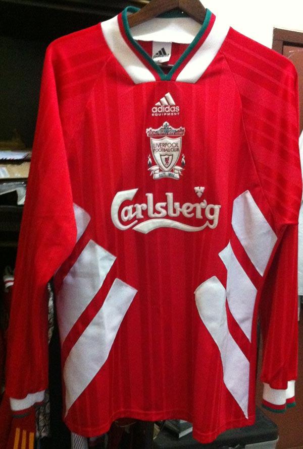 premium selection 61a8d 3b914 The History Liverpool F.C. Kits 1993 - 1994