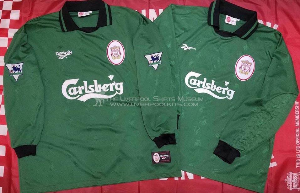 newest 0cb32 78af3 The History Liverpool F.C. Kits 1997 - 1998